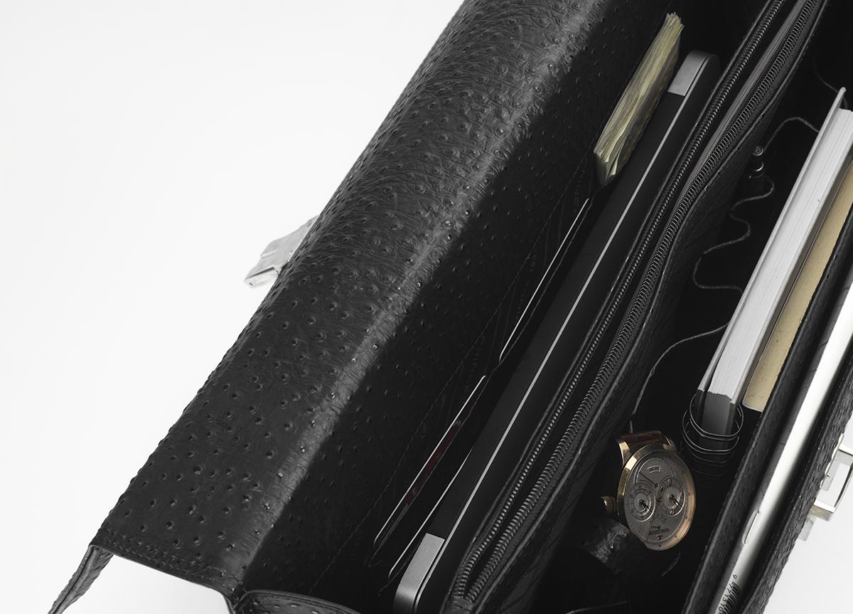 81744c9d6ba Бизнес чанта в черно от естествена кожа релефен ефект - Дамски ...