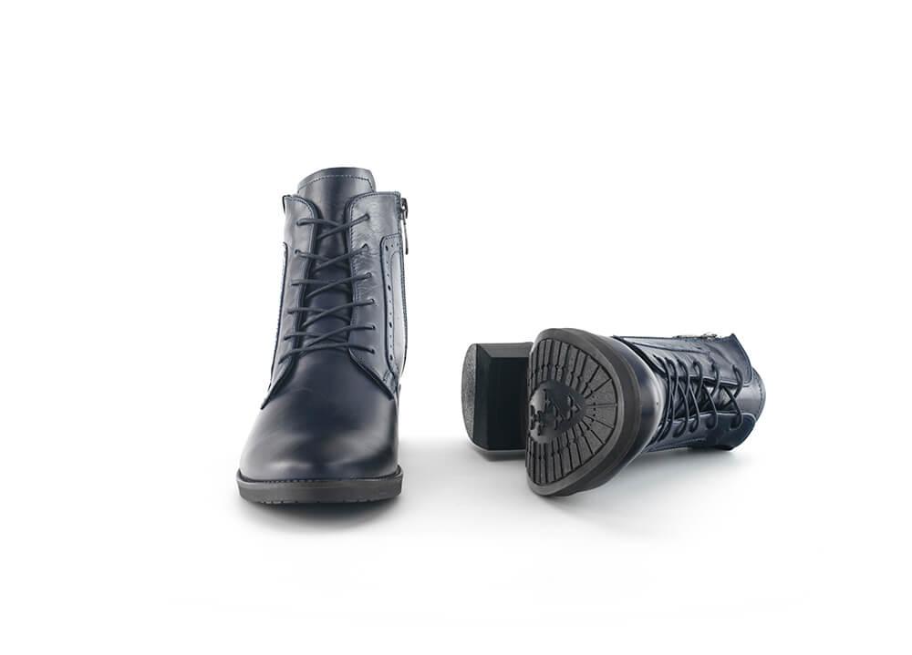 9f2212a1ab2 Дамски боти с цип в тъмносиня напа - Дамски обувки от естествена ...
